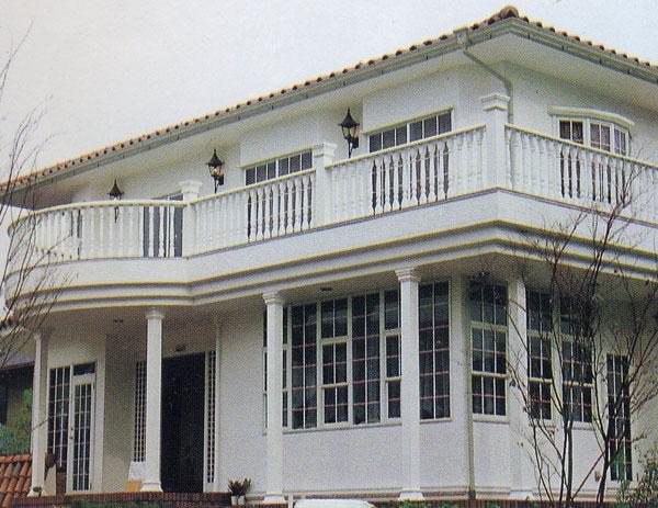 FRP ギリシャ柱 例: 装飾柱 (飾り柱) 角柱 店舗エントランス 住宅ポーチ